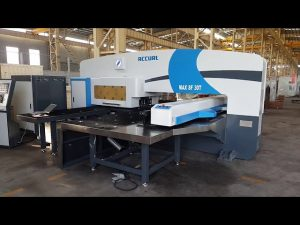 CNC servo-aangedrewe ramtoringpons druk 50 ton vir servo CNC-ponsmasjien