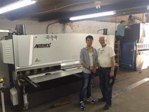 Ciprus kliënt besoek Press Brake Machine en skeer masjien in ons fabriek
