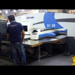 Hoë kwaliteit servo cnc hidrouliese rewolwer ponspers masjinerie