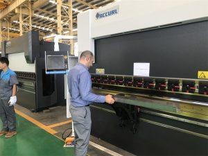 Iran kliënt toets masjien in ons fabriek 3
