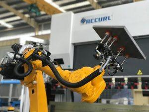 Robot buigstelsel vir outomatiese robotdrukrem van plaatmetaal