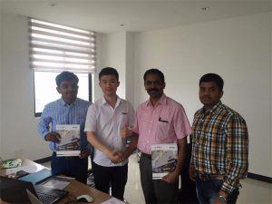 Sri Lanka Kliënte Bespreek Tegnologie met Mr.Tai in ons kantoor